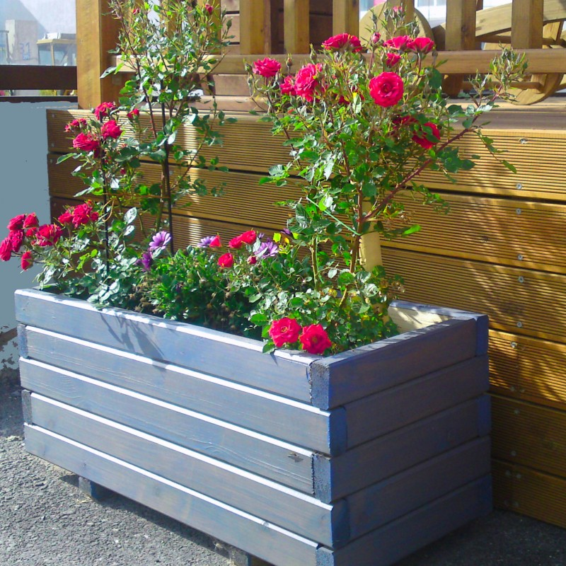 Wooden flower planter   by post 3,5 x 7cm