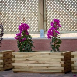 Ξύλινη γλάστρα παραλληλόγραμμη με φυτά
